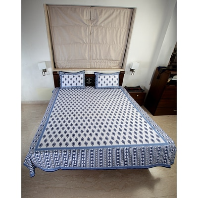 Jodhaa Double Bedsheet Set In Cotton Printed All Over In White And Blue With Blue Border