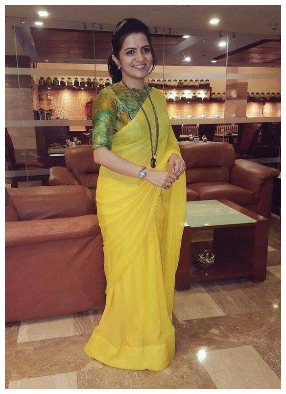 7Rainbow Yellow Chanderi Cotton Saree With Digital Printed Blouse