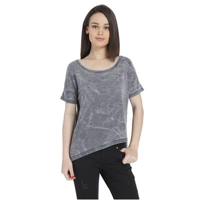 Only Women's Casuals Solid T-shirt