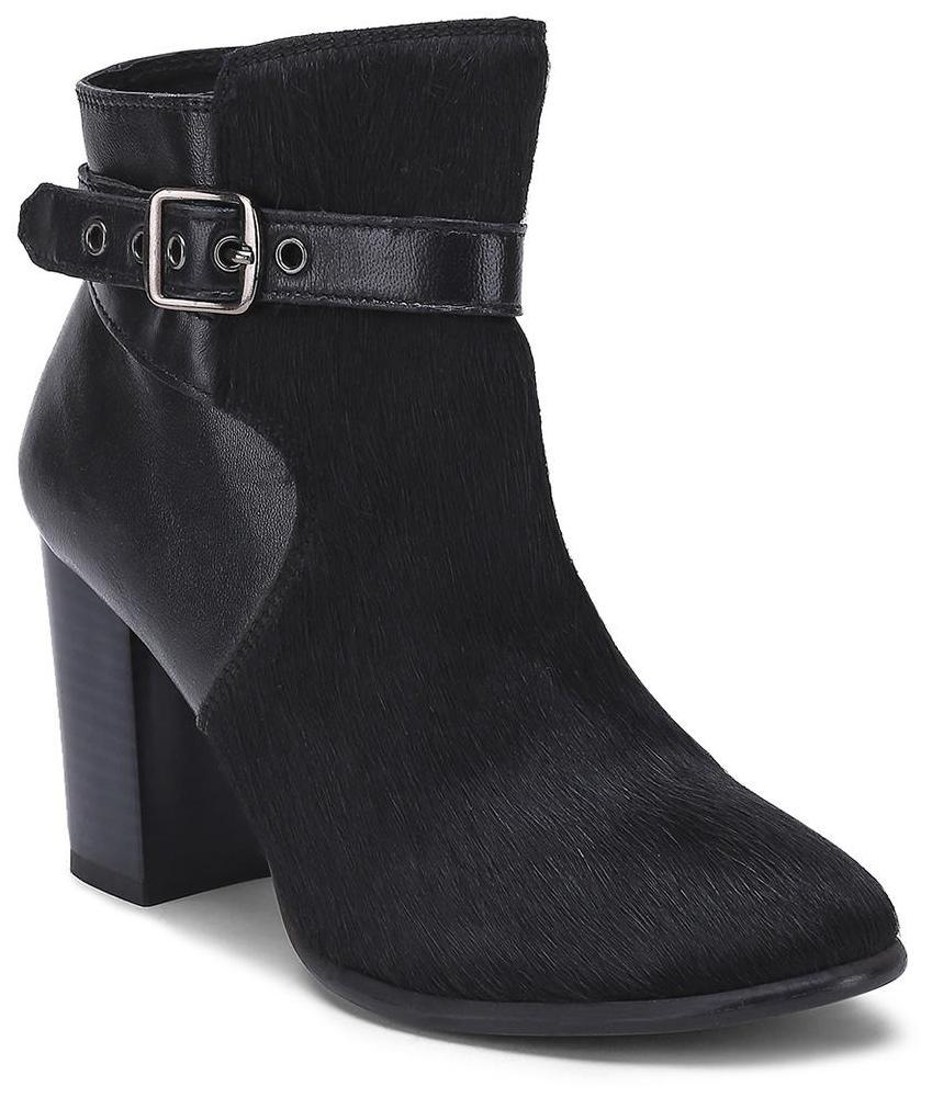 iLO Black Boots