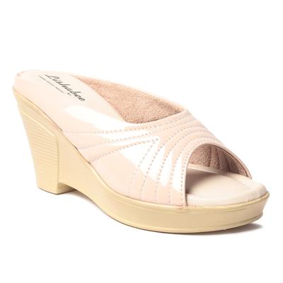 MSCWomenCreamWedges