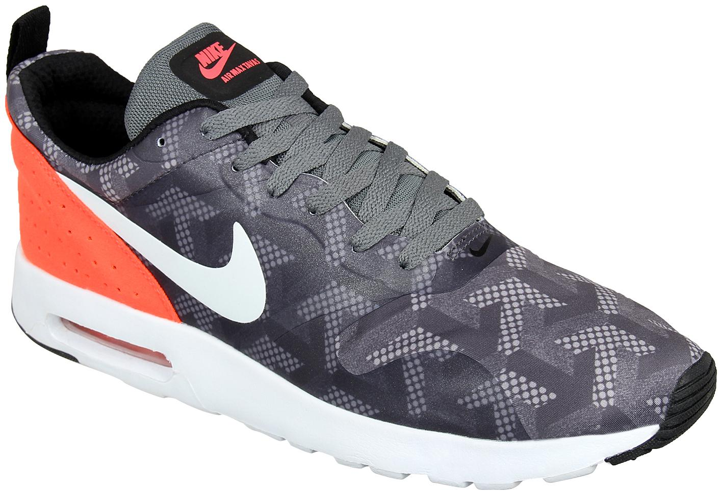 the latest ac382 aea31 NIKE AIR MAX TAVAS SE RUNNING SHOES