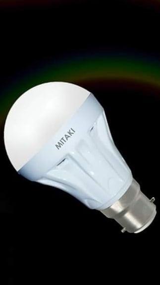 Mitaki-7-Watt-White-Glass-LED-Bulb