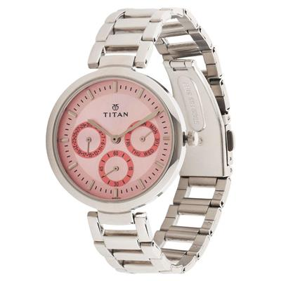 Titan  2480Sm05 Women Analog Watch